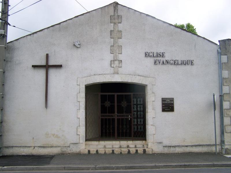 16-eglise-evangelique-jarnac pentecotistes