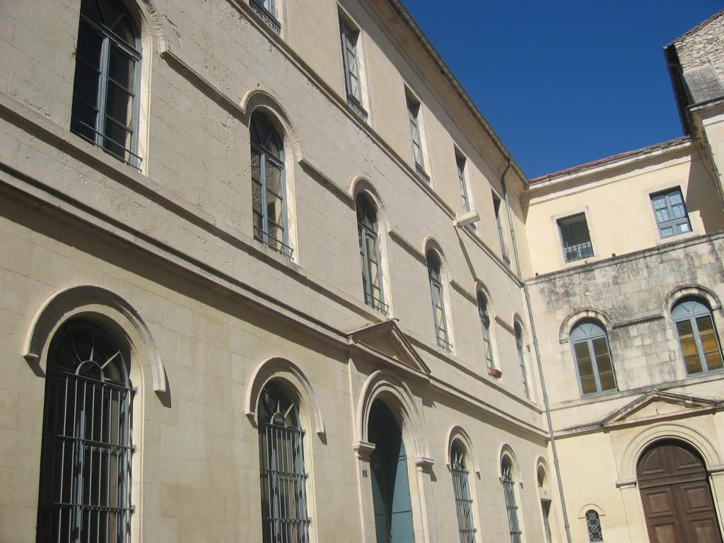 30000 - EGLISE PROTESTANTE UNIE DE NIMES 7 - La Maison du protestantisme - R dans 30-Gard mdpnimes