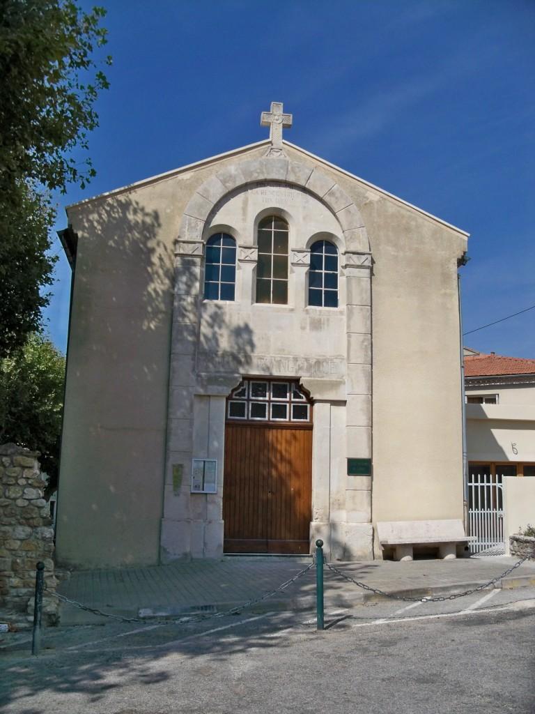 valreas_-_temple_protestant Provence dans EGLISES