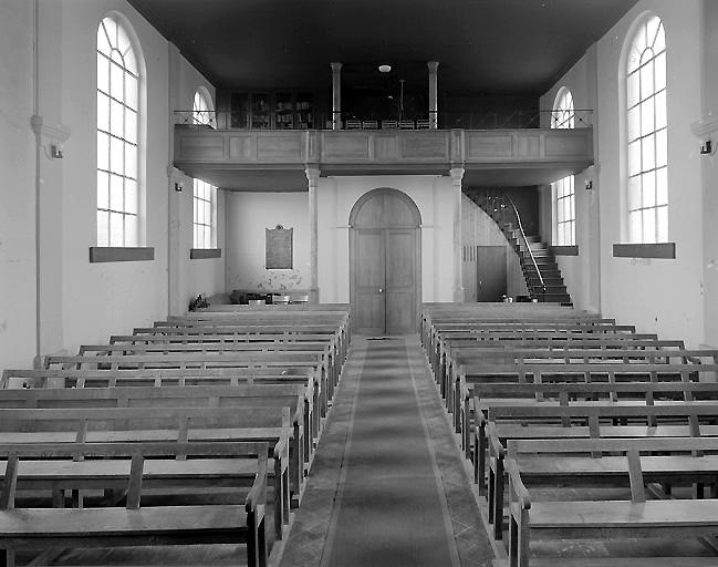 Intérieur du temple protestant de Landouzy la Ville